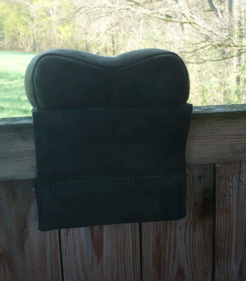 Schießunterlage klein mit Ohren für den präzisen Schuss auf der Kanzel oder Leiter von Becker Kleidung